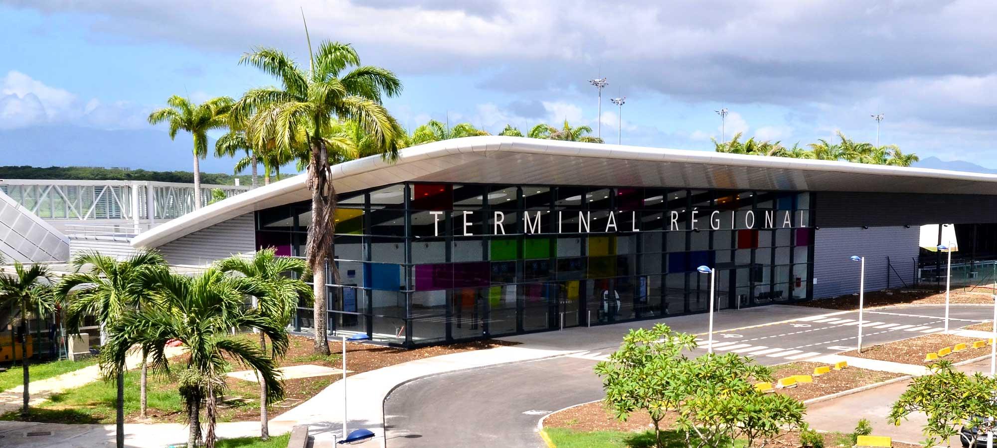 Resultado de imagen para aéroport Guadeloupe