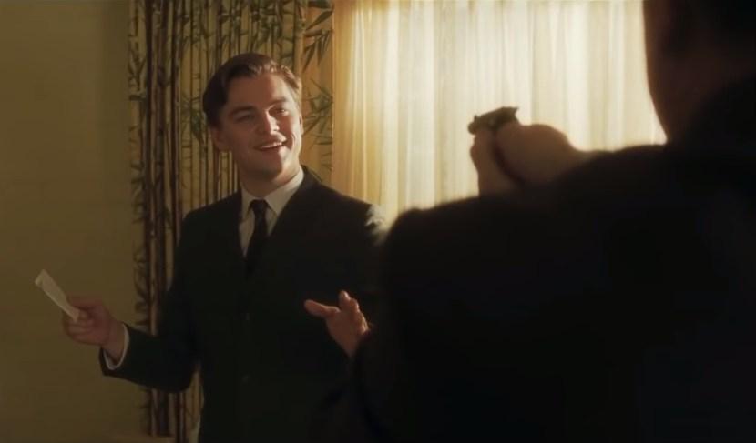 Nezapomenutelné filmové scény: kterak Frank Abagnale ošálil agenta FBI (Chyť mě, když to dokážeš)