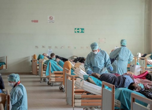 """""""الصحة العالمية"""": العالم لن يتغلّب على كورونا قبل نهاية العام"""