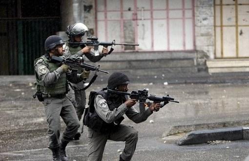 الخليل: الاحتلال يصيب شاب بالرصاص الحي قرب شارع الشهداء