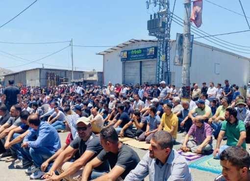 بالصور: صلاة الجمعة في بلدة بيتا جنوب نابلس قبل قمع الاحتلال للمصلين ظُهر اليوم