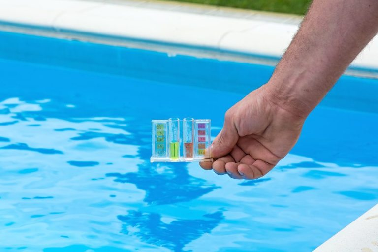 balancing-chemicals-in-pool