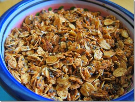 cinnamon chia seed granola 011