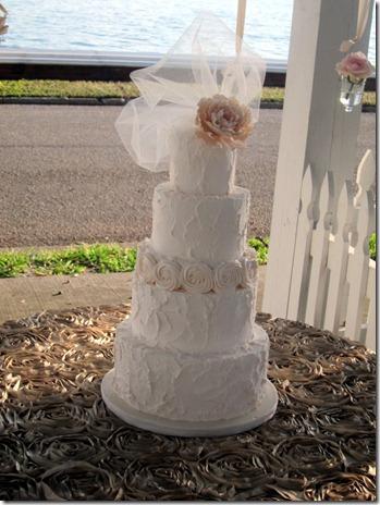 bridal model 073