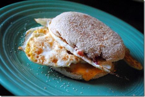egg sandwich english muffin 029