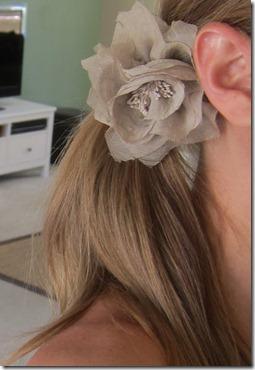 beige flower hair 035