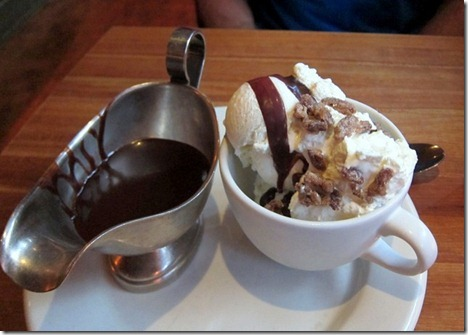 hillstone hot fudge sundae