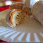 homemade doughnut munchkins