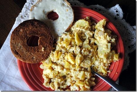hummus scrambled eggs