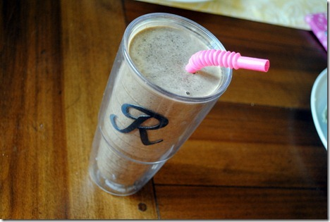 protein smoothie with spinach