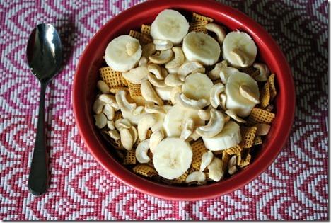 honey nut chex with bananas 002