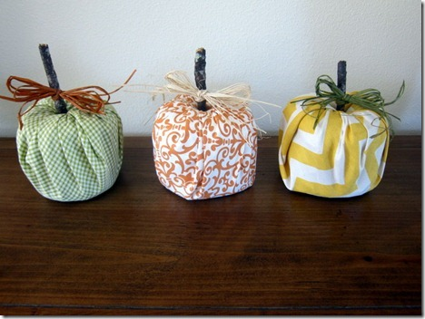 toilet paper roll pumpkin craft