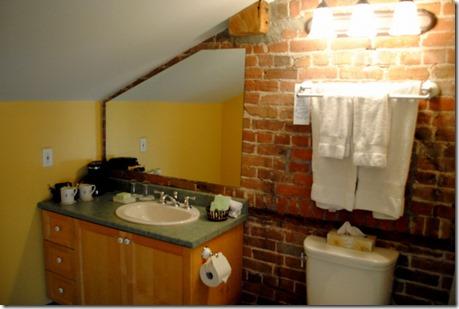 Wakefield Inn Mill Bathroom