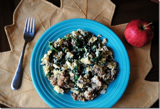 scrambled eggs with spinach chicken sausage