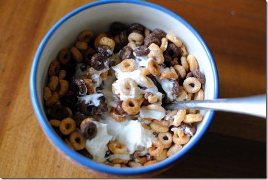 cheerios and yogurt