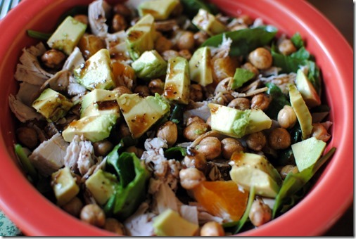 Salad with Chickpeas, Avocado, Turkey and Orange
