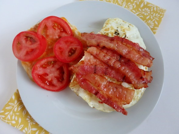 egg sandwich with bacon