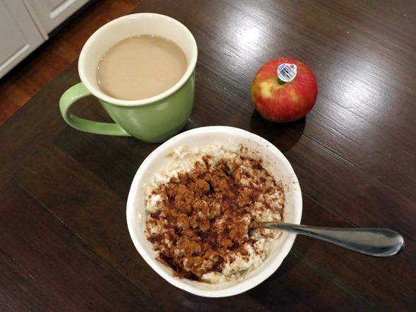 breakfast egg white oatmeal with cinnamon