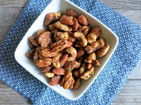 Simple Spiced Nuts - Easy, tasty and a great gift for the holidays