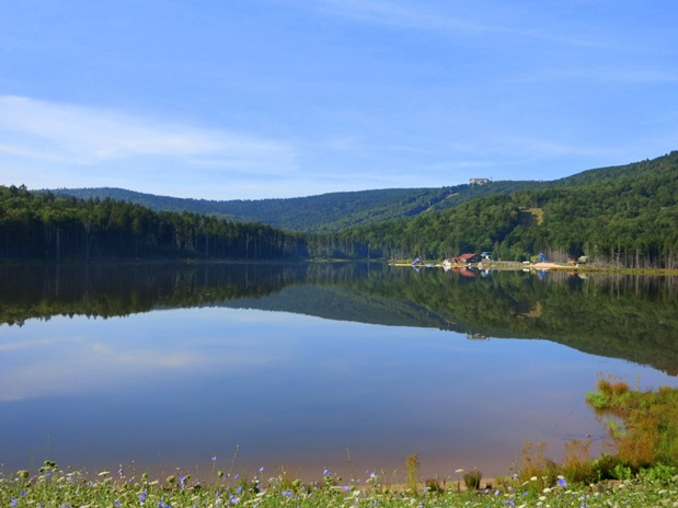 Shaver's Lake Snowshoe Mountain