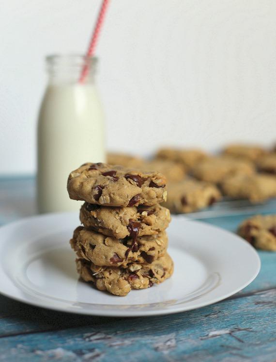 Oatmeal Chocolate Chip Hazelnut Cookies