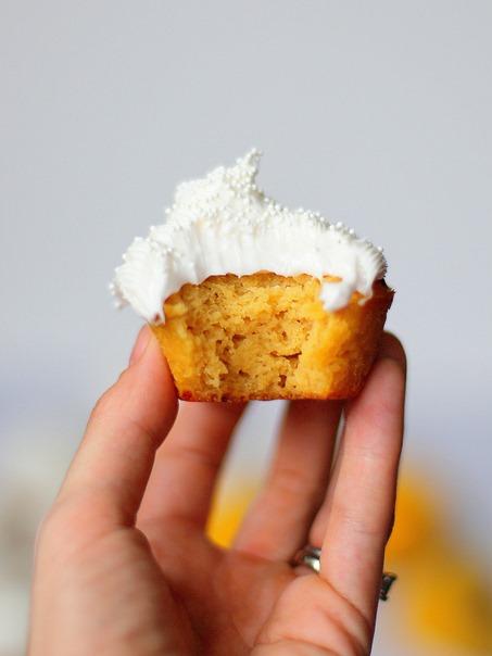 Lemon Paleo Cupcakes