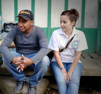Lara Pardo Fernandez (PBI) y Andrés Ortíz (CREDHOS)