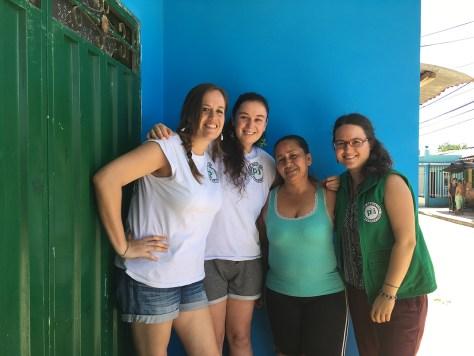 Articulo 180602 Lilia Peña con Maelys, Agathe e Yvonne _Blog