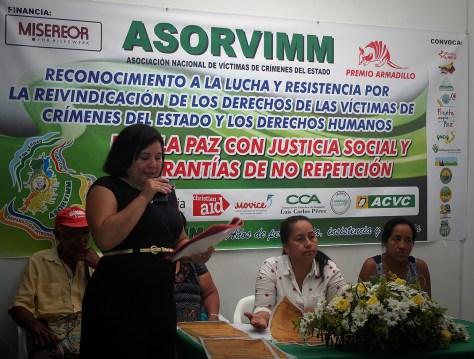 Lilia Peña Silva(sentada), Asorvimm, 151229, evento cierre del año y entrega de premios armadillo_blog