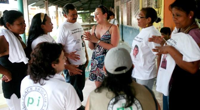 2004: La dificultad de ser Mujer Defensora de Derechos Humanos
