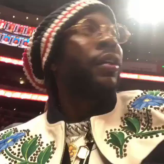 2 Chainz was kickin it with his son and Gucci Mane at the Atlanta Hawks game!...