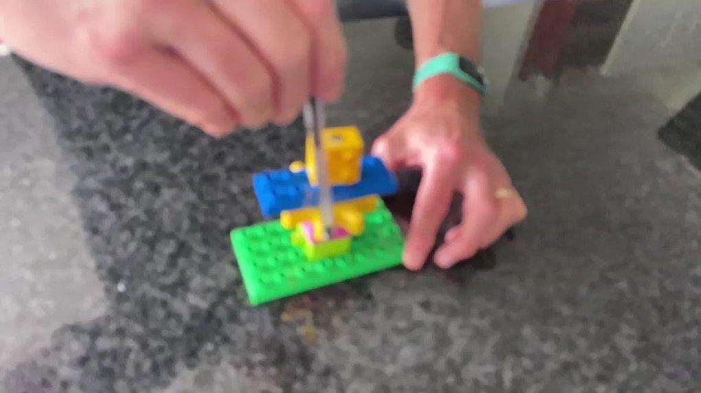 QbQlMumPmIX7gstc - Raising Robots - LEGO Mindstorms EV3 & WeDo