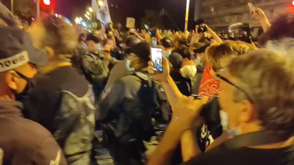 Over 60,000 Israelis joined 300 protests across the country to demand the resignation of the deeply corrupt prime minister, Benjamin Netanyahu.  As many as 13,000 protested near Netanyahu's residence. Of course, the Gestapo was on hand to bust up the protesters. https://t.co/ugkBK8uzjr