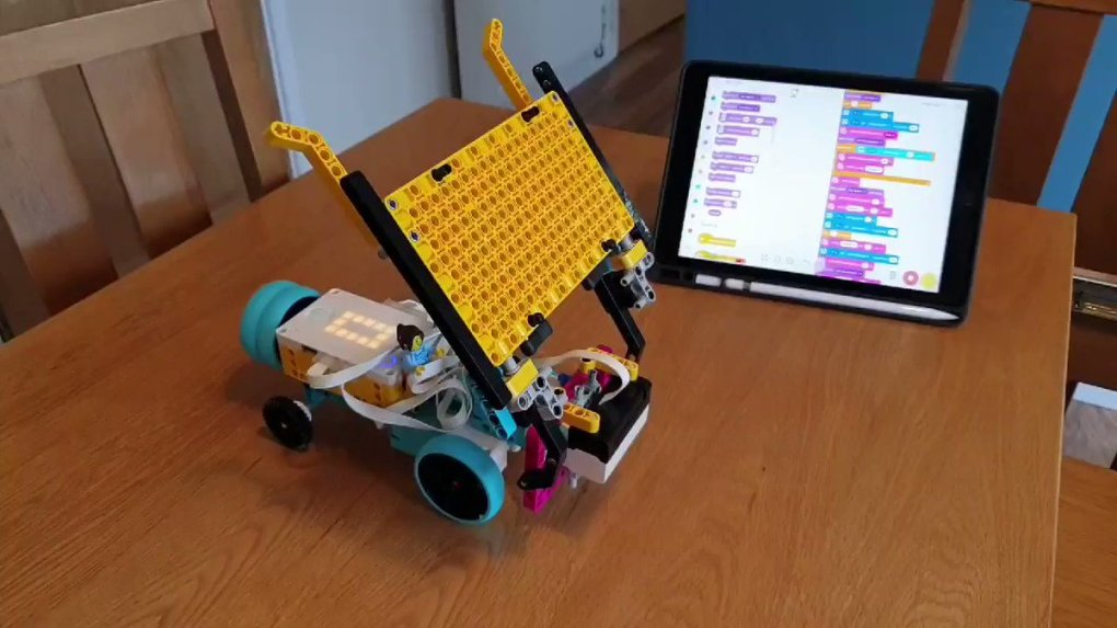 IcTY5EQnPFqi NAp - Raising Robots - LEGO Mindstorms EV3 & WeDo