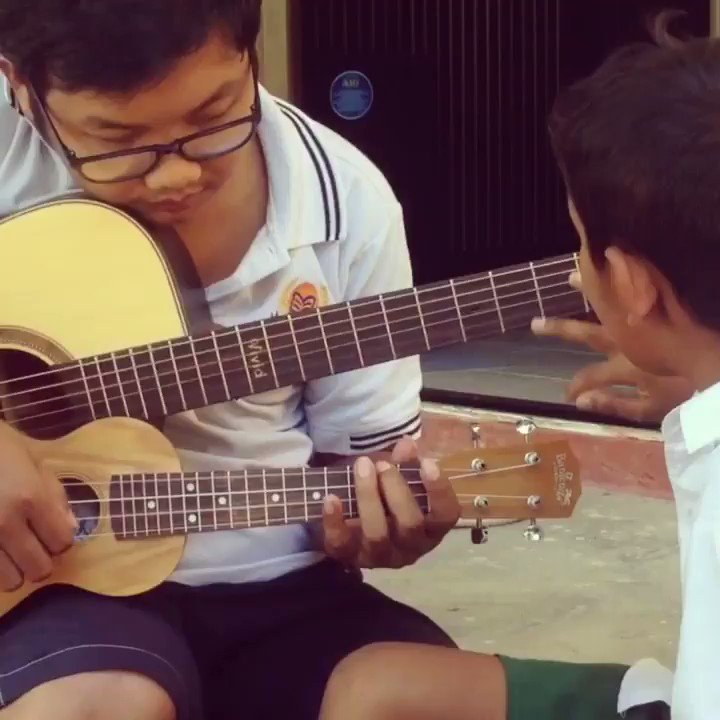Making #music with some #rohingya students during break time #empowerchildren