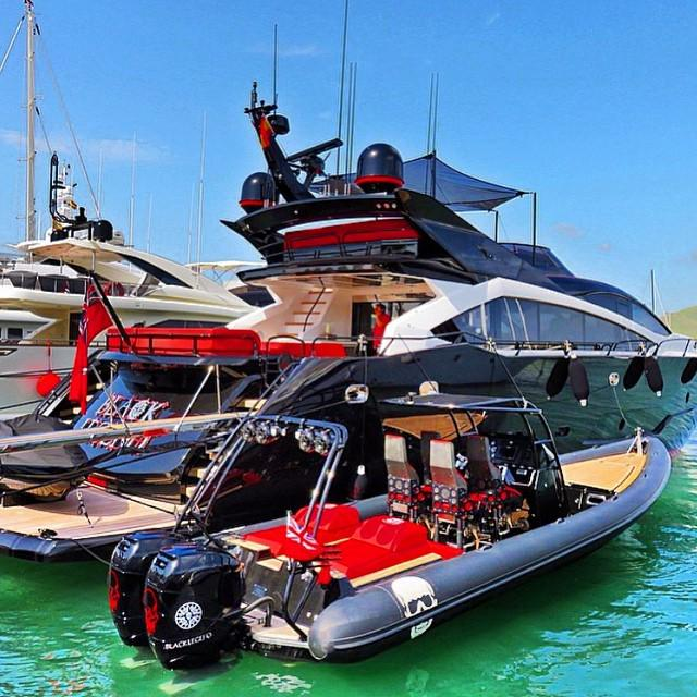Boat Shopping On Twitter Sunseeker 101 Black Legend E