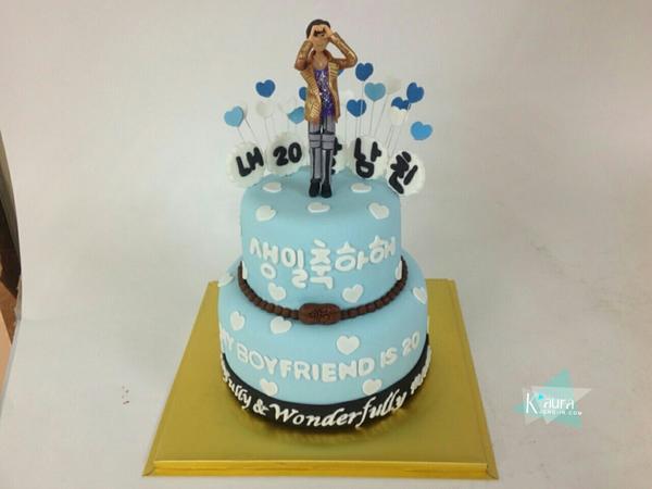 K Aura On Twitter Birthday Cake For My 20 Years Old Boy W Happy Birthday To Kai Http T Co Gk9ga45s