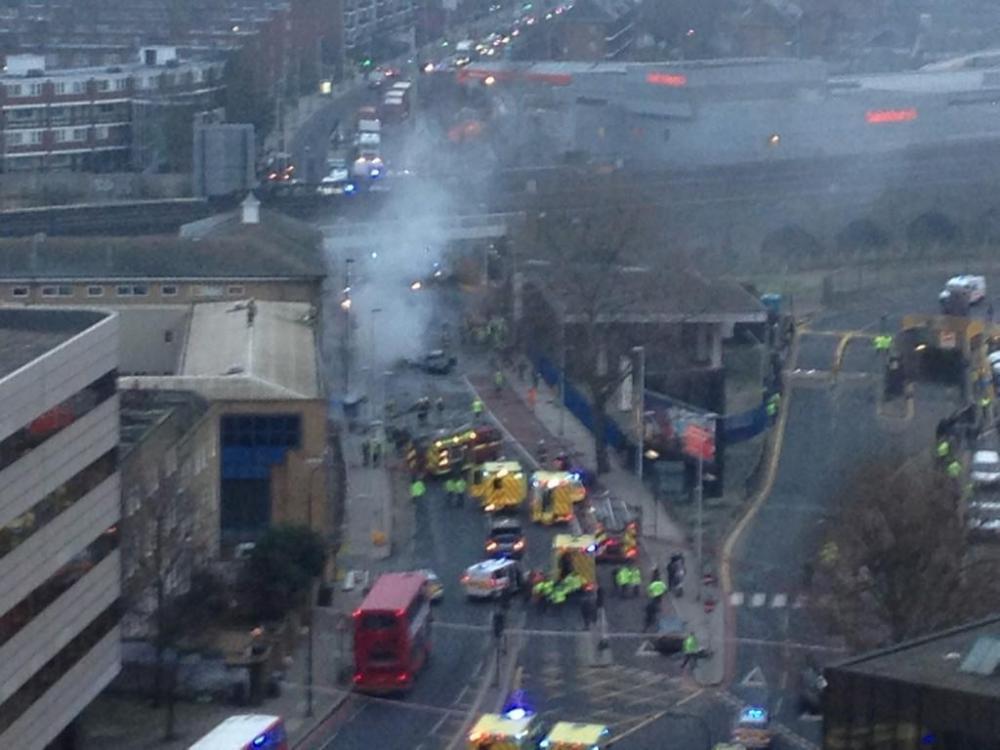 Londra: elicottero si schianta contro una gru.  (4/4)
