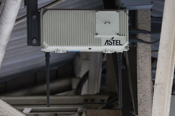 test ツイッターメディア - CS5S:住友電気工業製の高トラフィック対応型CSです、高トラフィックと言っても今の基地局と違って、収容数は7回線です。山手線沿線なら大体の駅で見ることができます。 https://t.co/PnPcEXlR0N