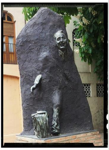 Escultura homenaje a Paco Martinez Soria - Tarazona