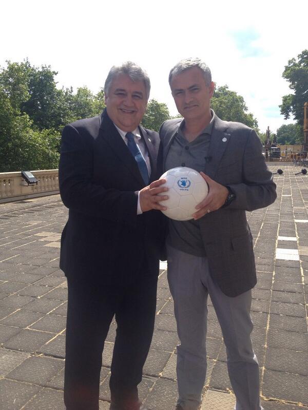 Abdulla and Mourinho [via @wfp_media]
