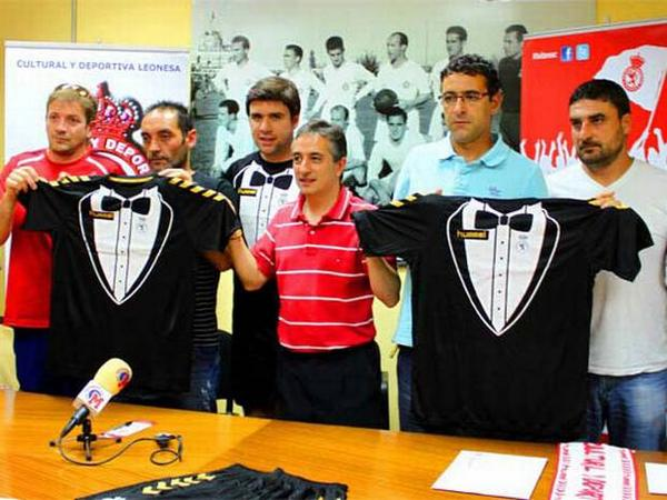 Cultural Leonesa and their new Tuxedo Kit by Hummel