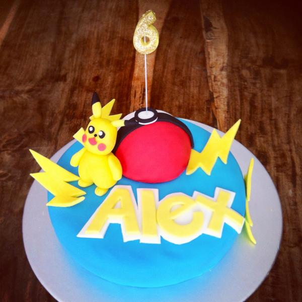 Hannahmakescakes On Twitter Happy Birthday Alex Pokemon Pikachu Cake Hannahmakescakes Http T Co Emjlwmn2lk