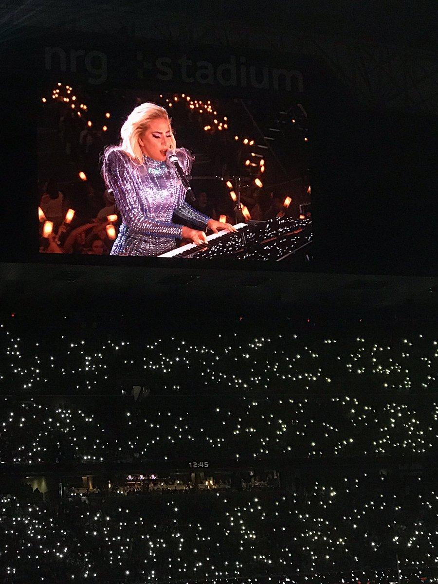 Lady Gaga en el Show de medio tiempo del Super Bowl 2017