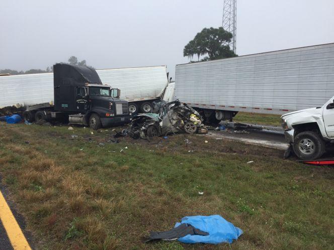 Seven-vehicle crash in Lake Wales involves three semis; State Road 60 closed