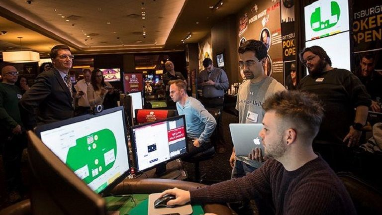 Brains vs Artificial Intelligence: Libratus defeats human #brain in poker