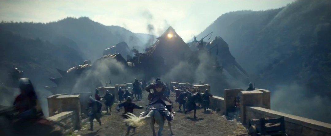 New King Arthur: Legend of the Sword Trailer Revealed 6