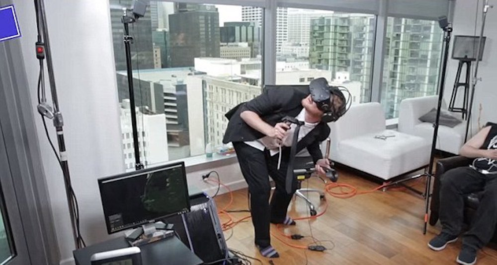 Australian man becomes one with the machine, breaks record for time in #VR via @Hero_Kvatch