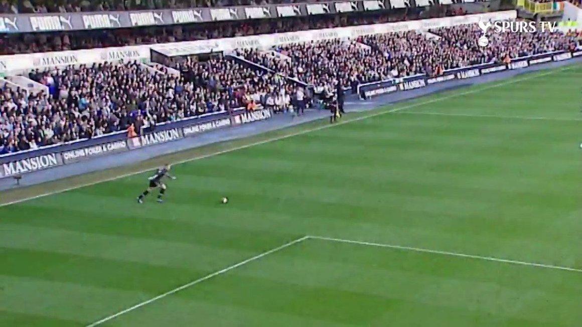 ThrowbackThursday goalkeeper Paul Robinson goal Watford Robbo Saturday Burnley COYS   Tottenham Hotspur   Scoopnest