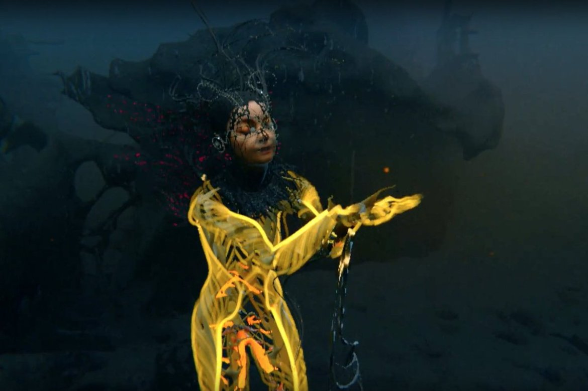 """Watch @bjork's virtual reality video for her 'Vulnicura' song """"Notget"""""""
